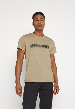 JOREDGE TEE CREW NECK - Print T-shirt - crockery/jj