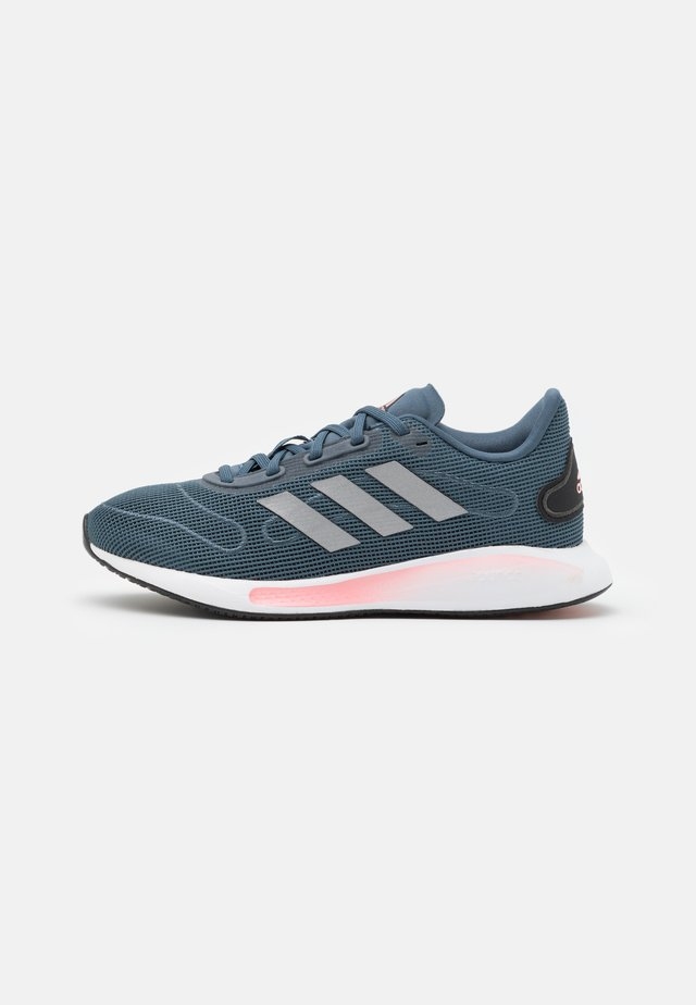 GALAXAR RUN - Neutral running shoes - legend blue/metallic silver/glow pink