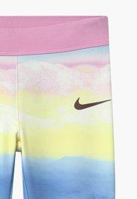 Nike Sportswear - GIRLS ICE LANDSCAPE - Leggings - Trousers - light pink/light blue/light yellow - 2