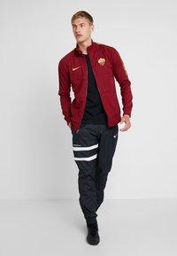 Nike Performance - AS ROM - Klubbkläder - team red/university gold - 1