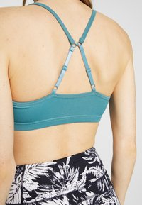 Cotton On Body - WORKOUT YOGA CROP - Sujetadores deportivos con sujeción ligera - mineral teal - 5