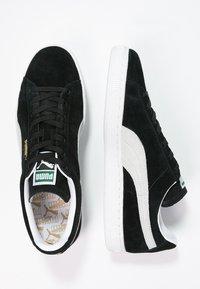 Puma - SUEDE CLASSIC+ - Sneakers - black - 1