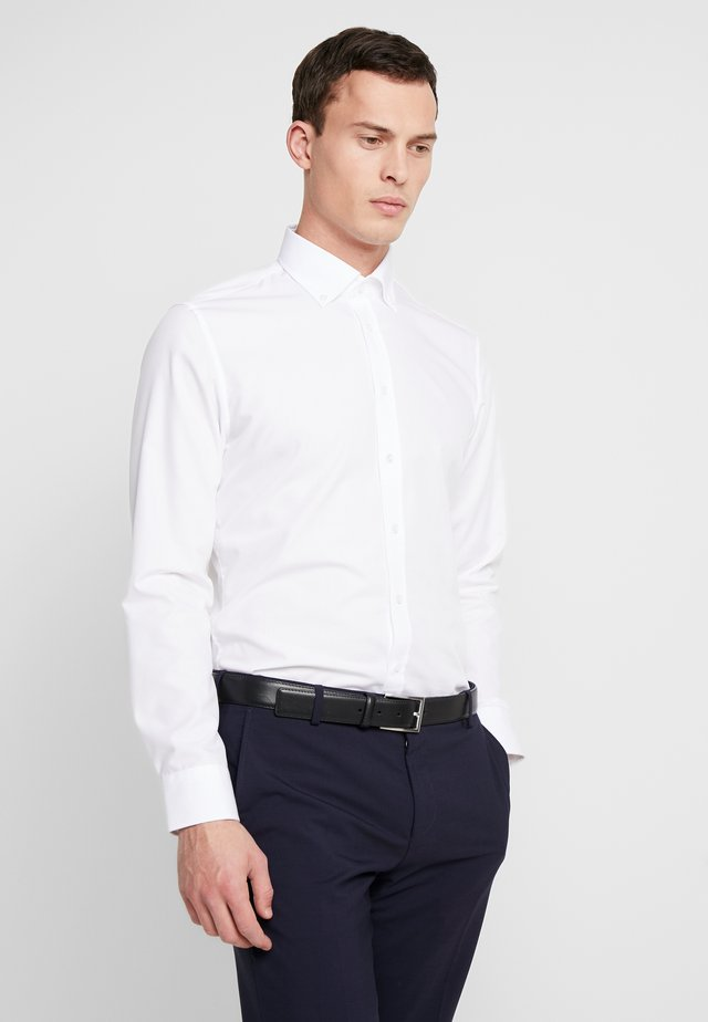 BUTTON DOWN SLIM FIT - Camisa elegante - white