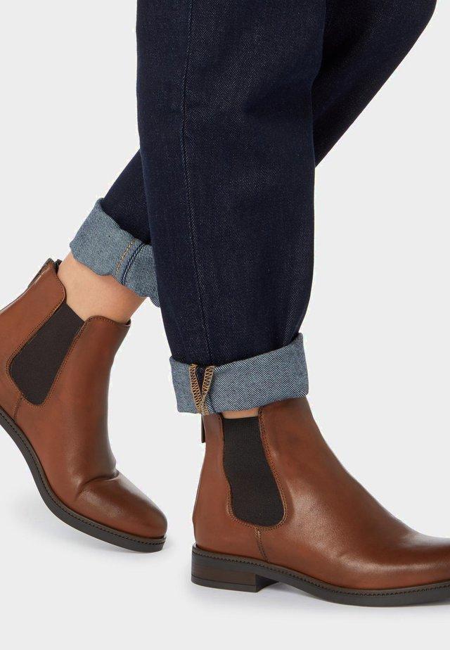 MIT REISSVERSCHLUSS - Stiefelette - dark brown