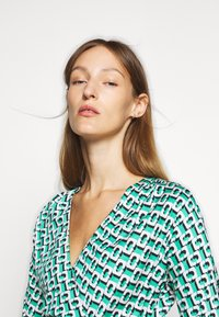 Diane von Furstenberg - ISADORA - Vapaa-ajan mekko - green - 5
