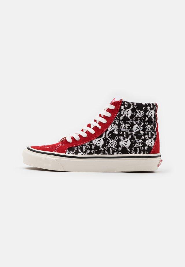 ANAHEIM SK8 38 DX UNISEX - Zapatillas altas - red/black/white