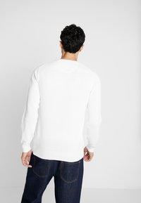 GANT - C NECK - Stickad tröja - eggshell - 2