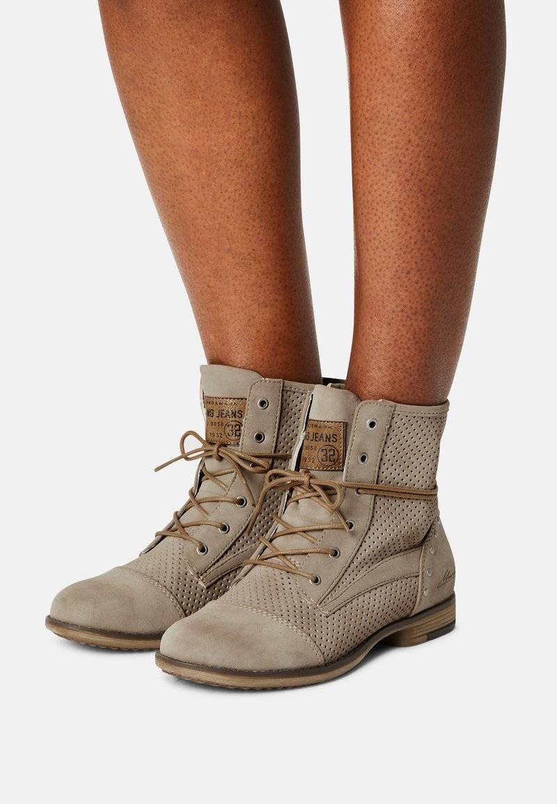 Mustang - Lace-up ankle boots - beige