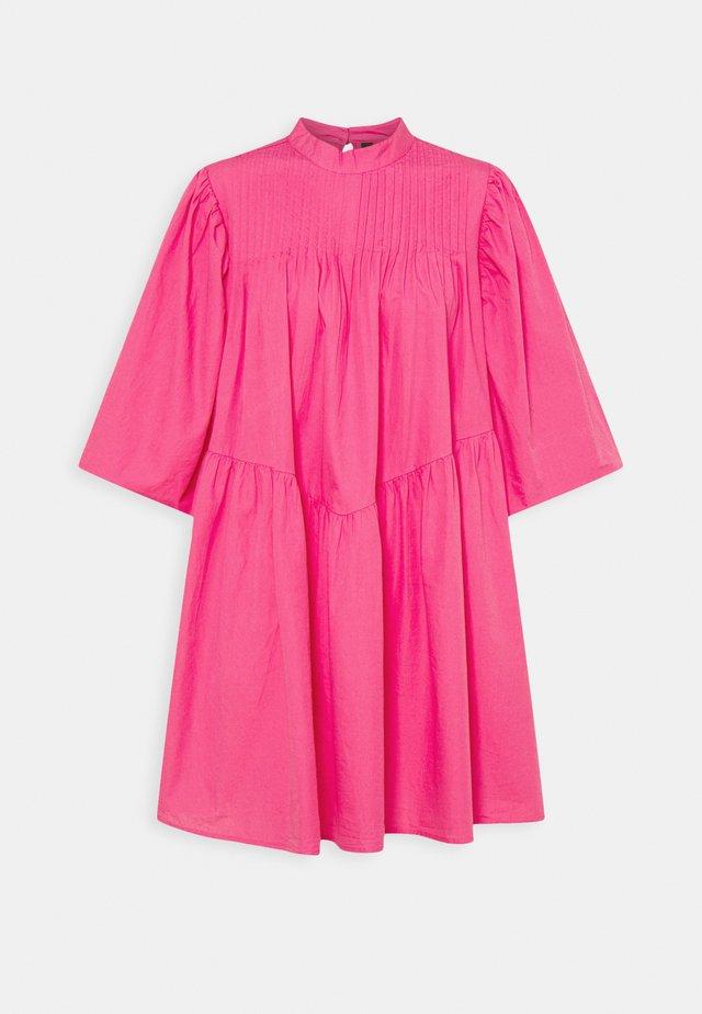 YASSALISA DRESS - Korte jurk - fandango pink