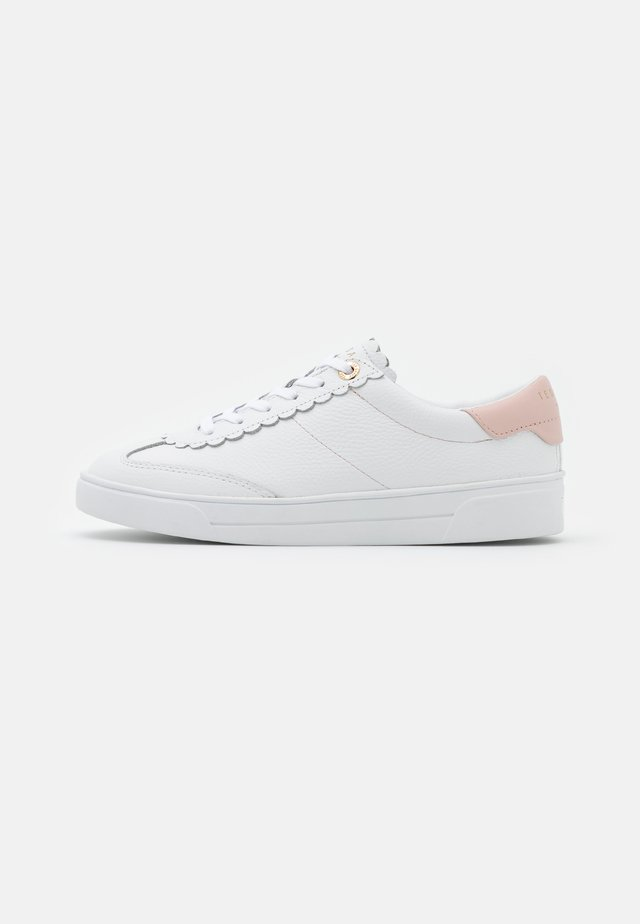 EBBY - Trainers - white