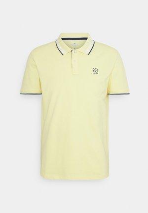 UNDERCOLLAR WORDING - Polo shirt - pale straw yellow