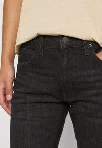 Lee - LUKE - Jeans slim fit - worn magnet - 5
