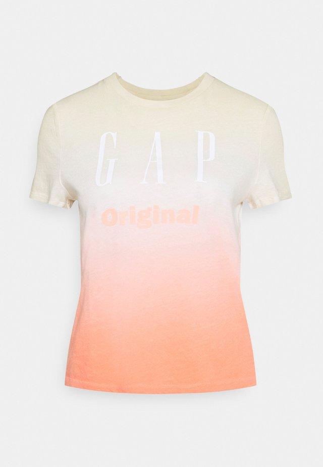 SHRUNKEN TEE - Print T-shirt - pink ombre