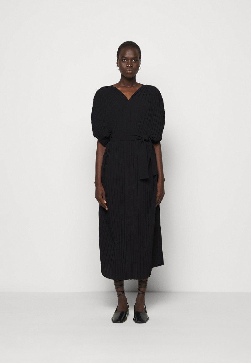 Henrik Vibskov - NEW JELLY DRESS PLISSE - Denní šaty - black