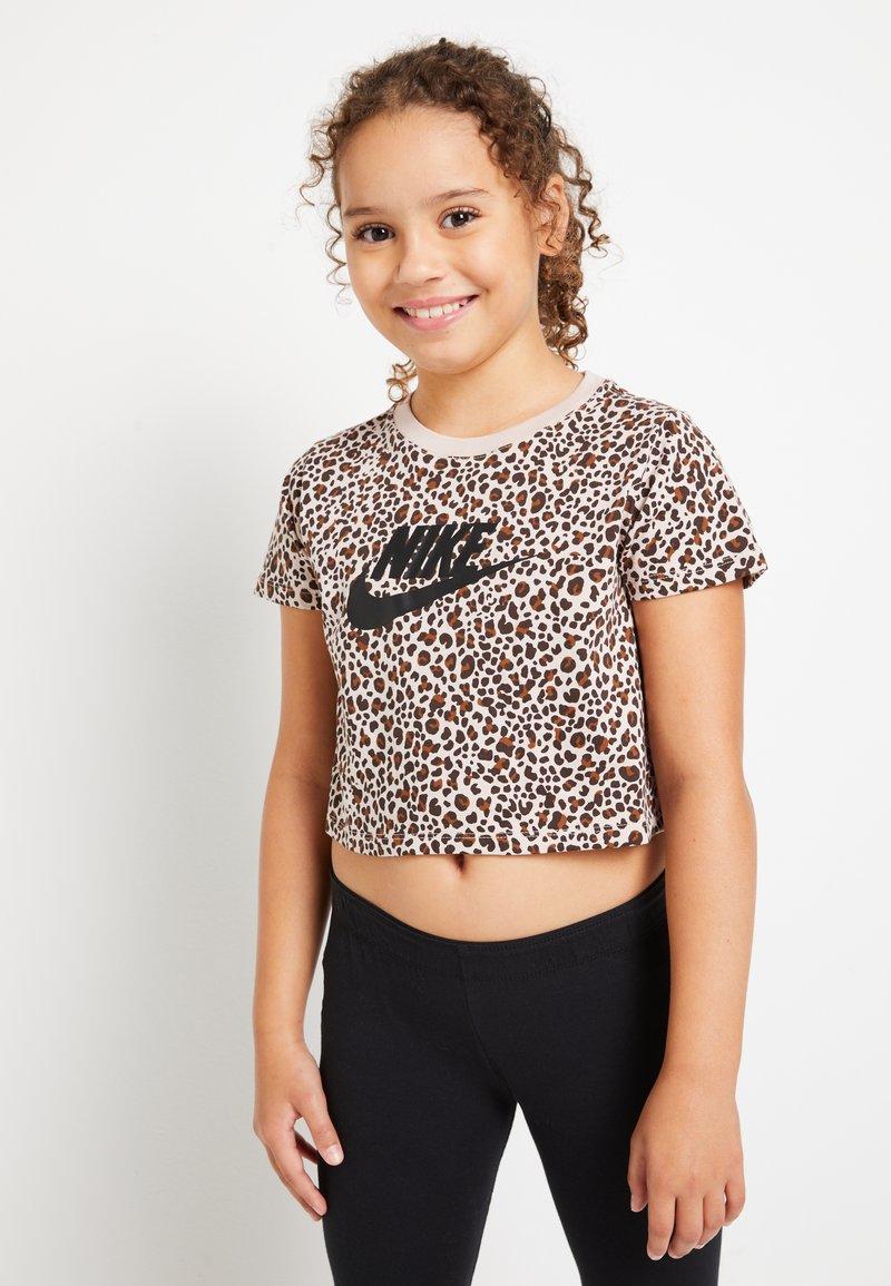 Nike Sportswear - TEE CROP  - Print T-shirt - fossil stone/black