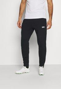 Nike Performance - FC PANT - Træningsbukser - black/clear - 0