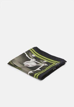ONESTO - Foulard - green