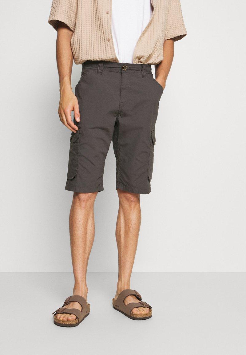 TOM TAILOR - LIGHTWEIGHT CARGO - Shorts - tarmac grey