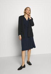 Wallis - WRAP FIT AND FLARE DRESS - Sukienka z dżerseju - navy blue - 1