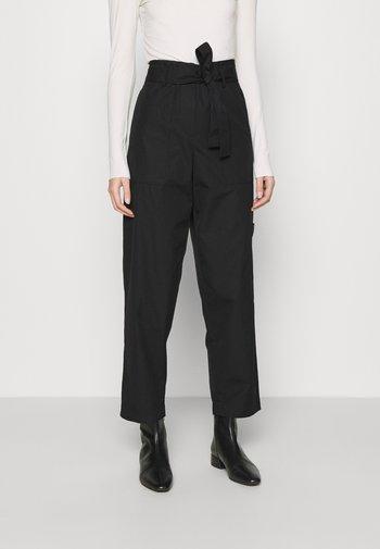 WIDE LEGGED TROUSER - Trousers - black dark