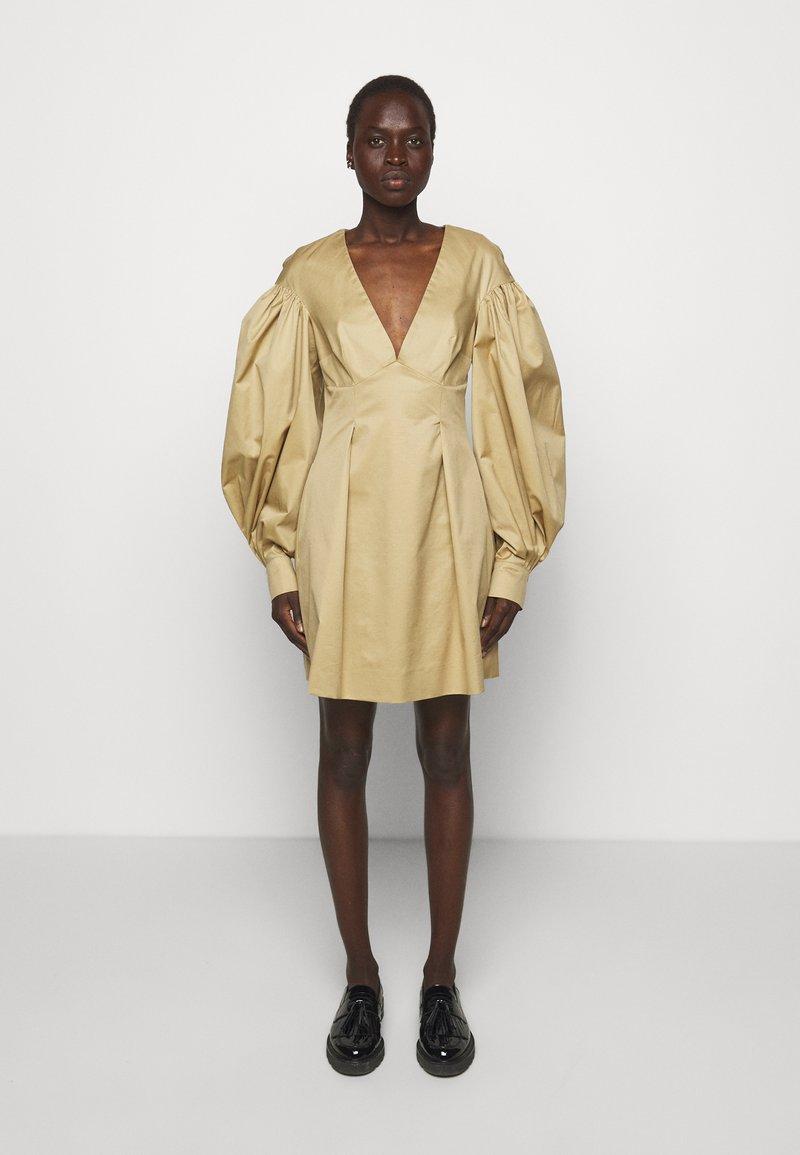 Mother of Pearl - MINI DRESS  - Vestido informal - stone