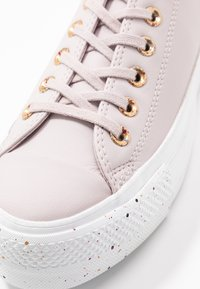 Converse - CHUCK TAYLOR ALL STAR LIFT SPECKLED - Sneakers basse - platinum violet/rose maroon/white - 2