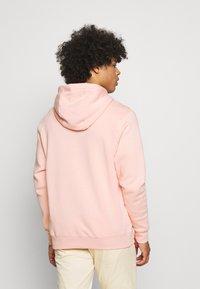 Nike Sportswear - CLUB HOODIE - Hoodie - arctic orange/white - 2