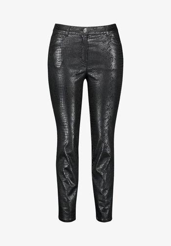 MIT VERKÜRZTEM BEIN - Trousers - black gemustert