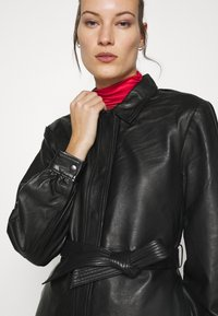 Selected Femme - SLFLILI LONG  - Leather jacket - black - 3