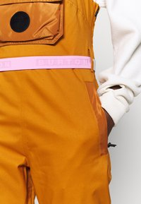Burton - LAROSA BIB - Snow pants - true penny - 7