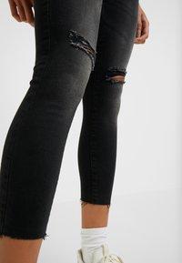 Noisy May Petite - NMLUCY  - Jeans Skinny Fit - black denim - 3