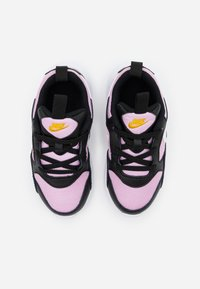 Nike Sportswear - PEGASUS '92 LITE - Zapatillas - black/white/light arctic pink - 3
