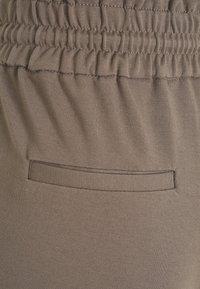 Vero Moda Petite - VMEVA  - Shorts - grey - 2