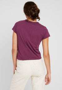 Vans - VISTAVIEW - Basic T-shirt - prune - 2