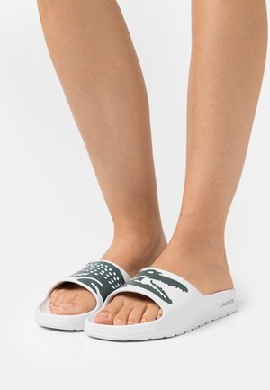 CROCO  - Mules - white/dark green