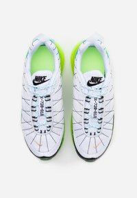Nike Sportswear - MX-720-818 FRSH  - Trainers - white/black/ghost green/oracle aqua - 3