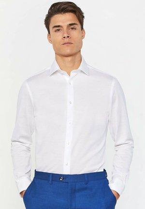 SLIM-FIT - Shirt - white