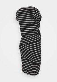 Anna Field MAMA - Nursing Shift dress - Shift dress - black/off-white - 1