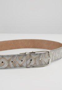 Vanzetti - Belt - creme/silber - 4