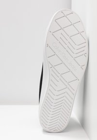 Calvin Klein Jeans - ZABRINA - High-top trainers - black - 6