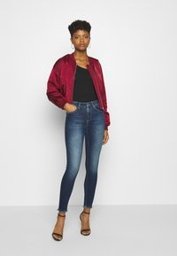 ONLY - ONLBLUSH LIFE - Jeans Skinny - dark blue denim