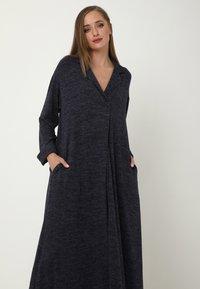 Madam-T - CLARICE - Day dress - blau - 4