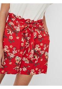 Vero Moda - Shorts - goji berry - 3