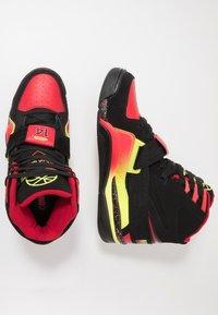 Ewing - CONCEPT - Zapatillas altas - black/red/yellow - 1