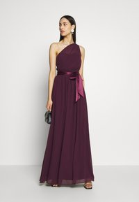 Dorothy Perkins Tall - SADIE SHOULDER MAXI DRESS - Suknia balowa - mulberry - 1