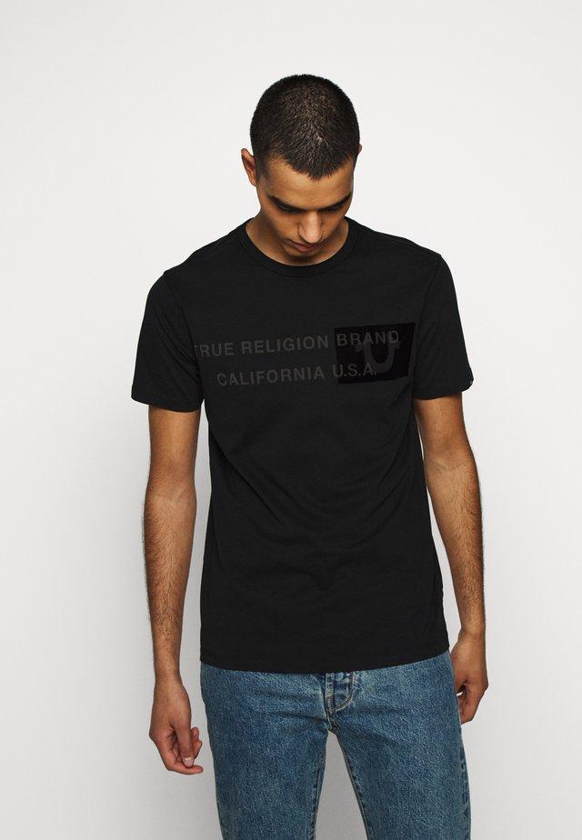 CREW BRAND HORSESHOE - Print T-shirt - black