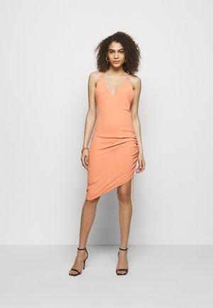 CLODY - Shift dress - abricot