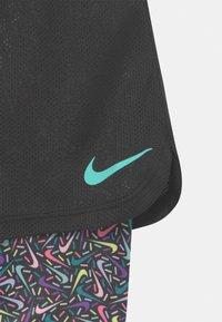 Nike Sportswear - SPRINKLE - Short - black - 2