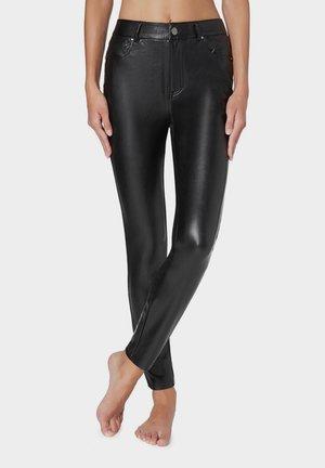 MIT LEDEREFFEKT - Leggings - Trousers - black