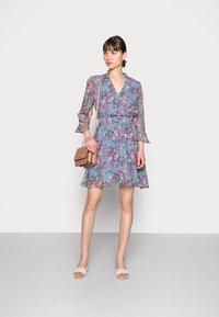 Liu Jo Jeans - ABITO CORTO MANHATTA - Day dress - special fleurs - 1